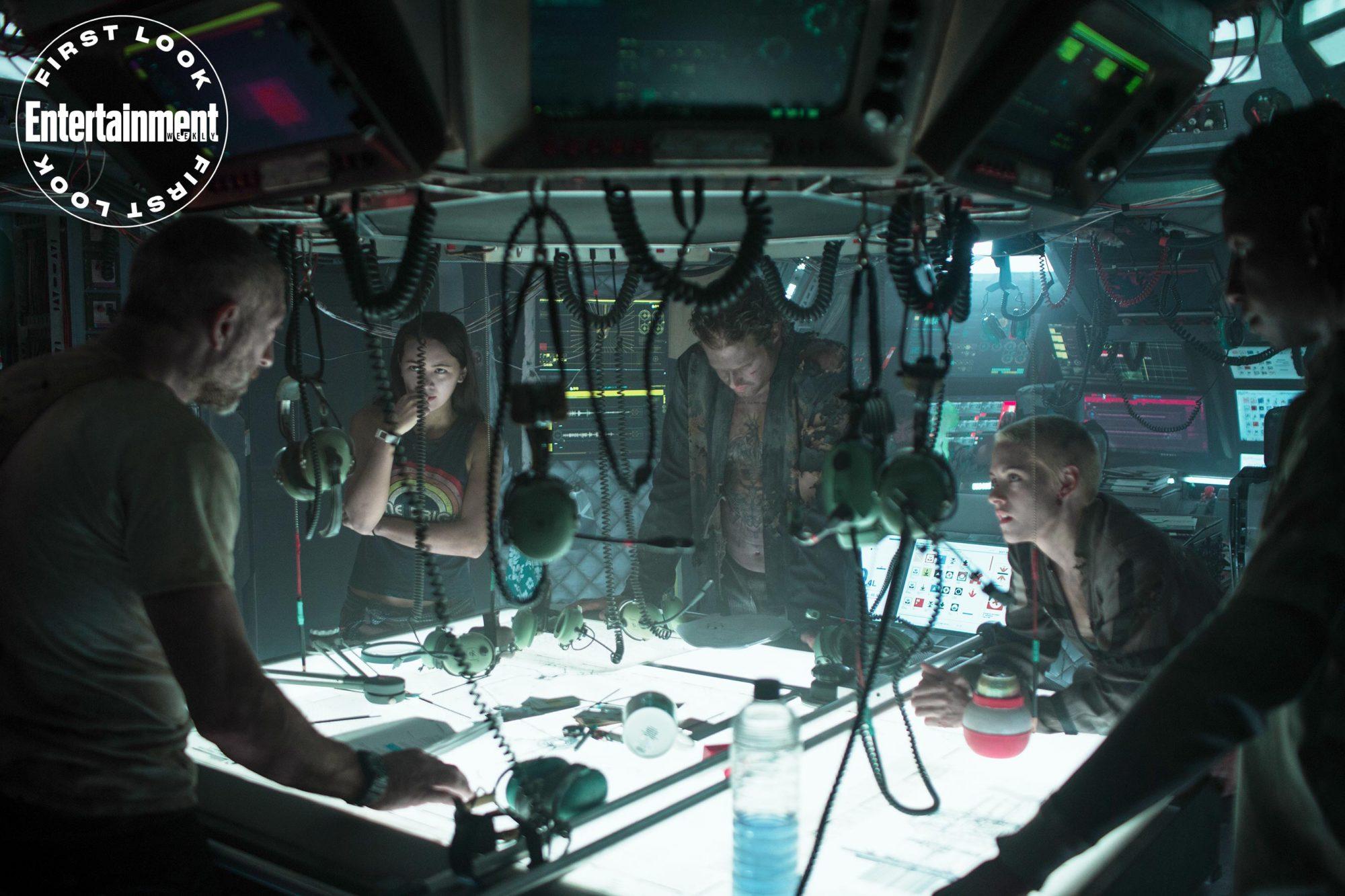 UnderwaterVincent Cassel, Jessica Henwick, TJ Miller, Kristen Stewart