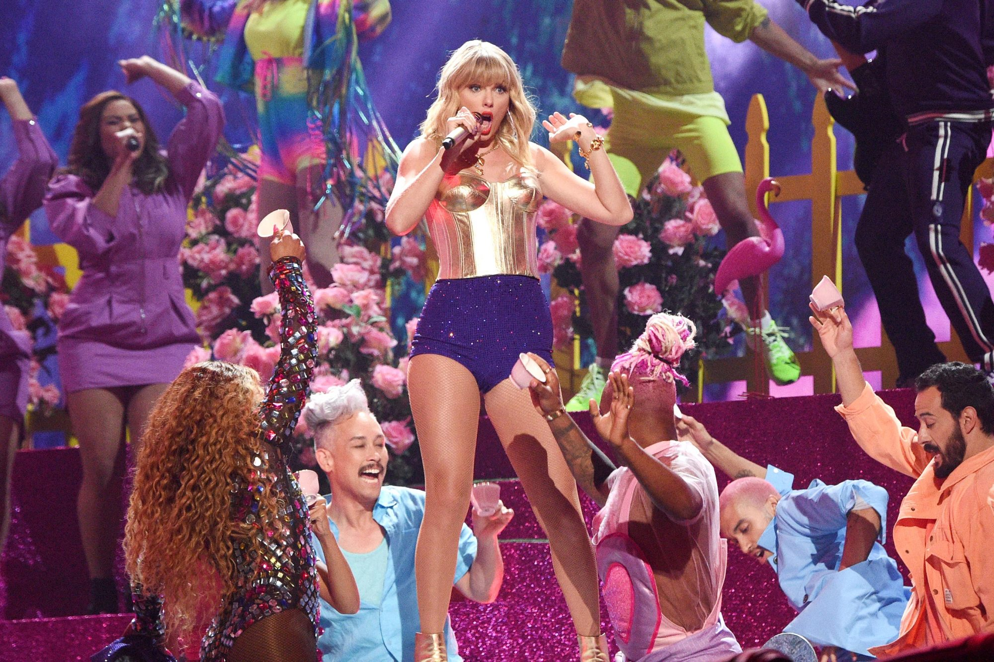 NEWARK, NEW JERSEY - AUGUST 26: Taylor Swift performs onstage during the 2019 MTV Video Music Awards at Prudential Center on August 26, 2019 in Newark, New Jersey. (Photo by Kevin Mazur/WireImage)