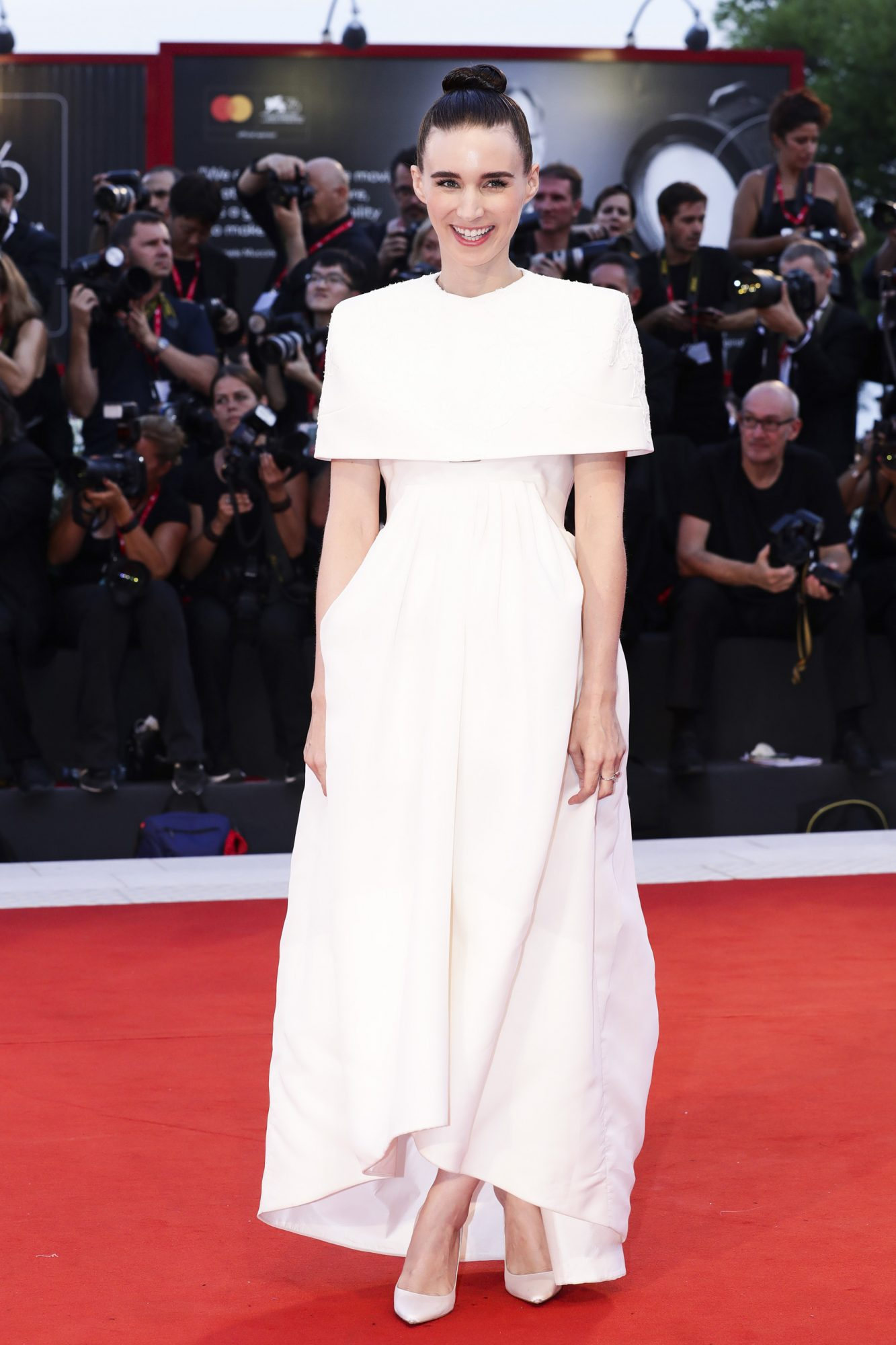 "VENICE, ITALY - AUGUST 31: Rooney Mara walks the red carpet ahead of the ""Joker"" screening during the 76th Venice Film Festival at Sala Grande on August 31, 2019 in Venice, Italy. (Photo by Vittorio Zunino Celotto/Getty Images)"