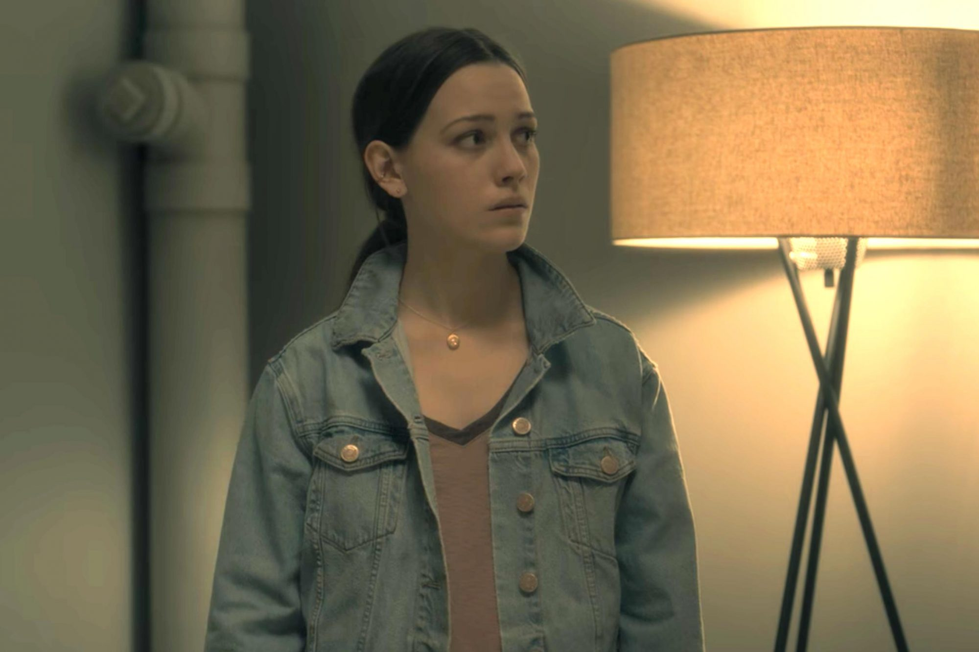 The Haunting of Hill House (screen grab) Victoria Pedretti CR: Netflix