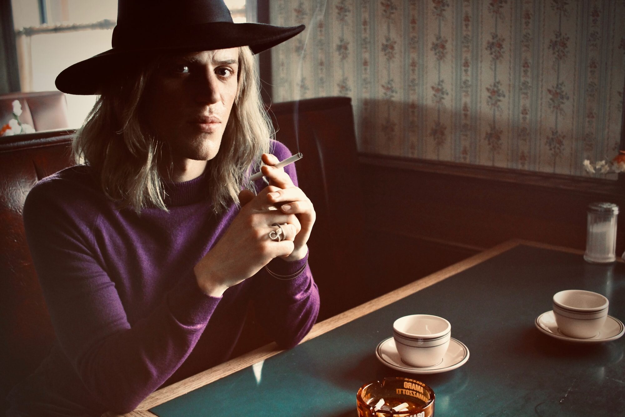 See Johnny Flynn as David Bowie in upcoming film Stardust   EW.com