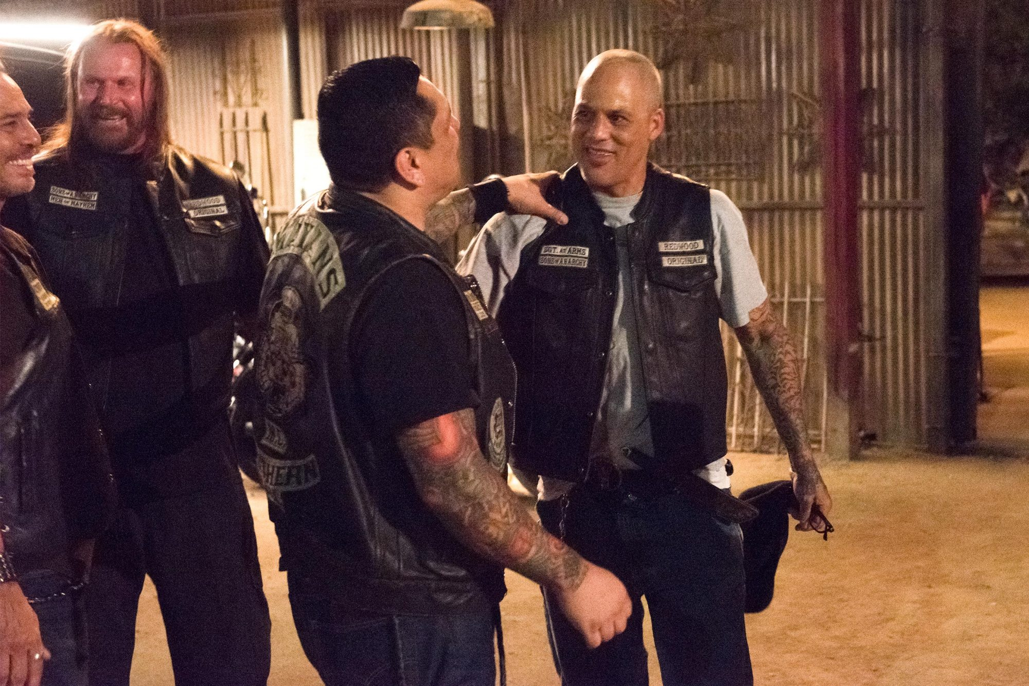"MAYANS M.C. -- ""Cuervo/Tz'ikb'uul"" -- Season 1, Episode 10 (Airs Tuesday, November 6, 10:00 p.m. e/p) Pictured: Raoul Max Trujillo as Che ""Taza"" Romero, Rusty Coones as Quinn, Frankie Loyal as Hank ""Tranq"" Loza, David Labrava as Happy. CR: Prashant Gupta/FX"