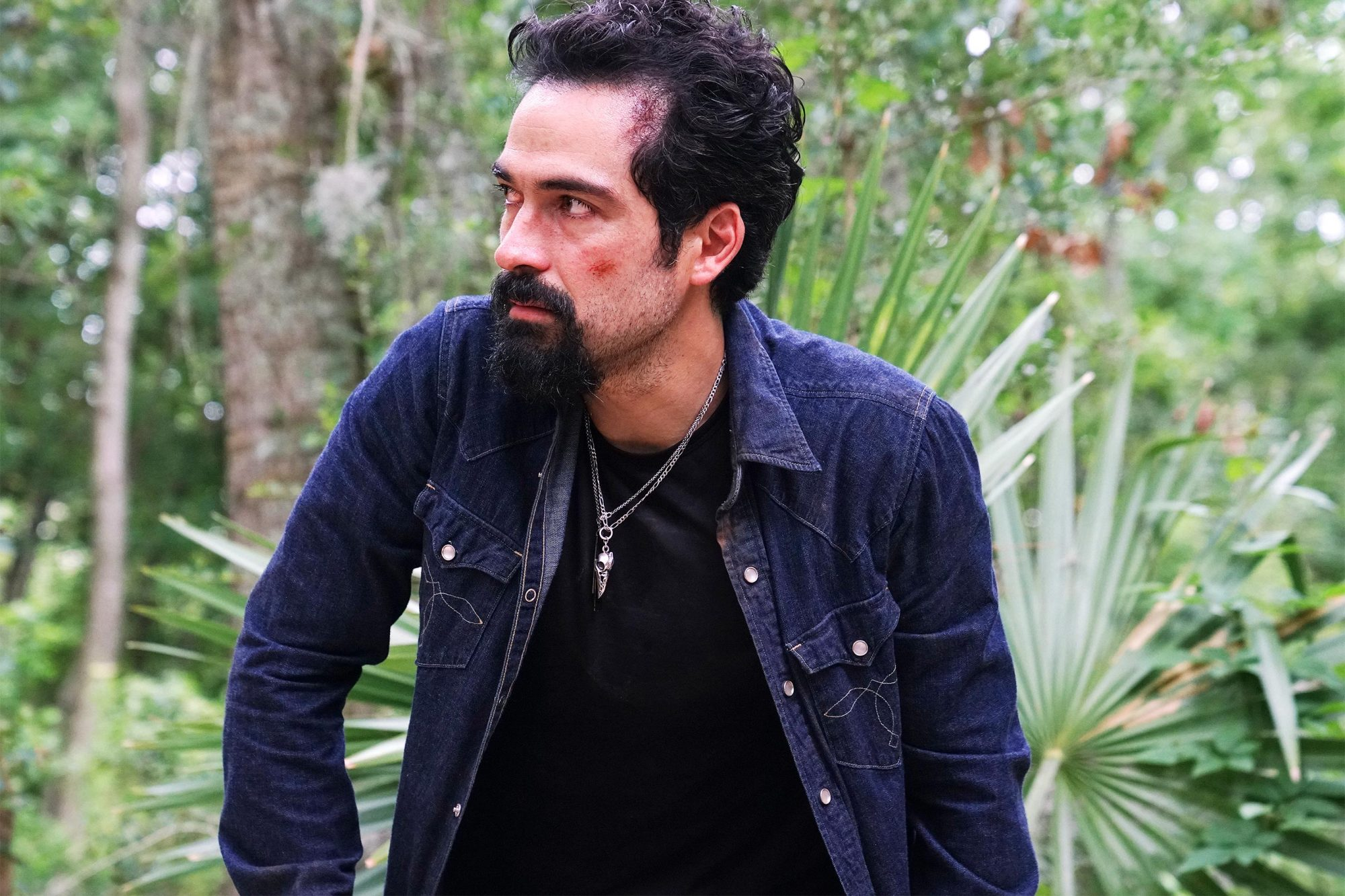"""QUEEN OF THE SOUTH -- """"Vienen Por Ti"""" Episode 413 -- Pictured: Alfonso Herrera as Javier Jimenez -- (Photo by: Felicia Graham/USA Network)"""