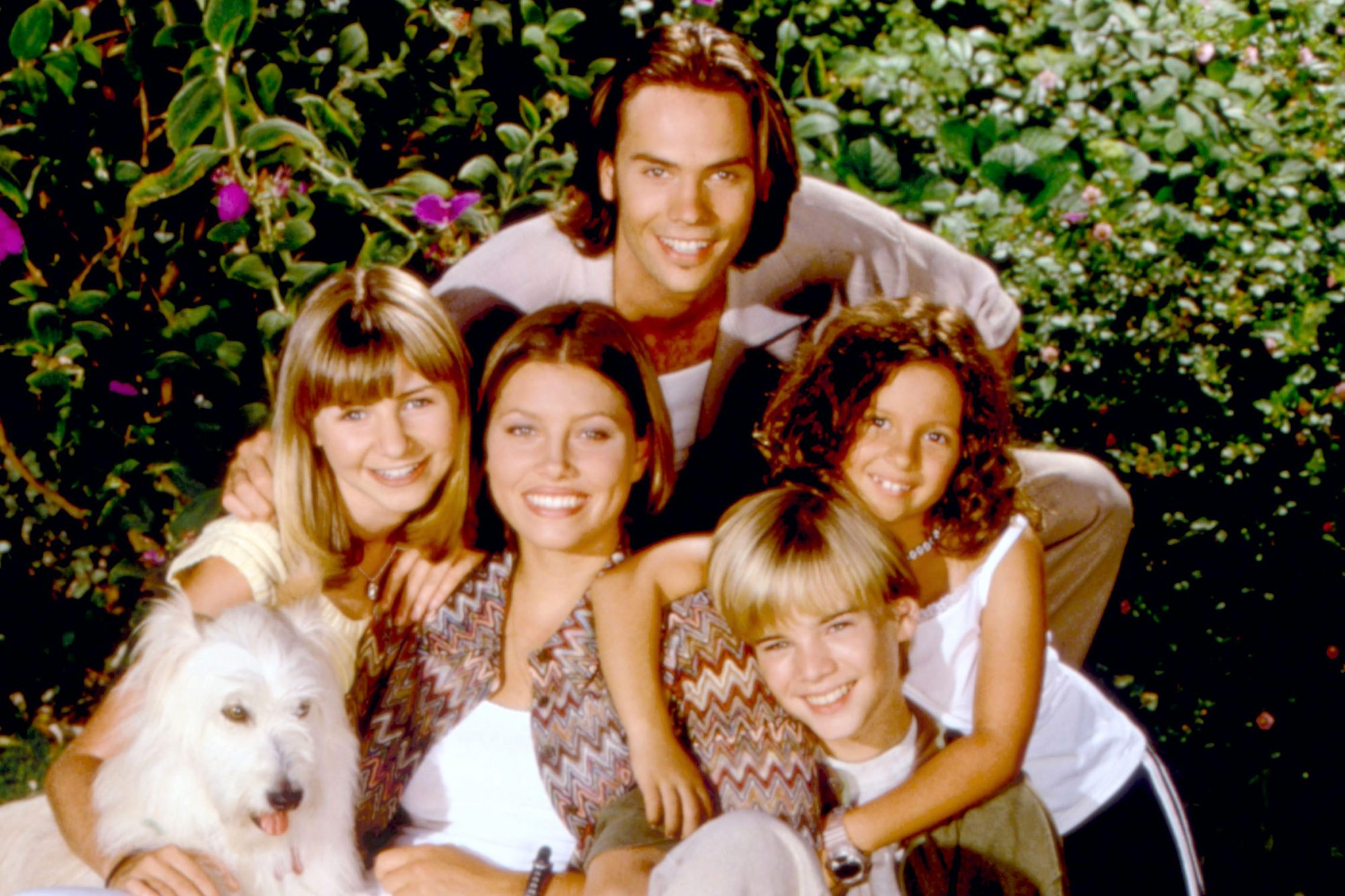 7TH HEAVEN, Barry Watson (top), middle row: Beverly Mitchell, Jessica Biel, Mackenzie Rosman, bottom