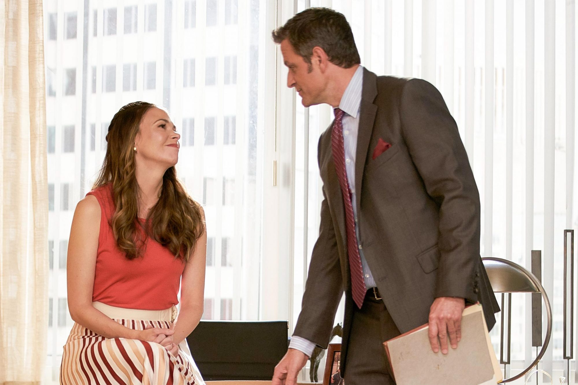 """Younger"" Ep. 611 (Airs 8/28/19) Sutton Foster and Peter Hermann CR: TV Land"