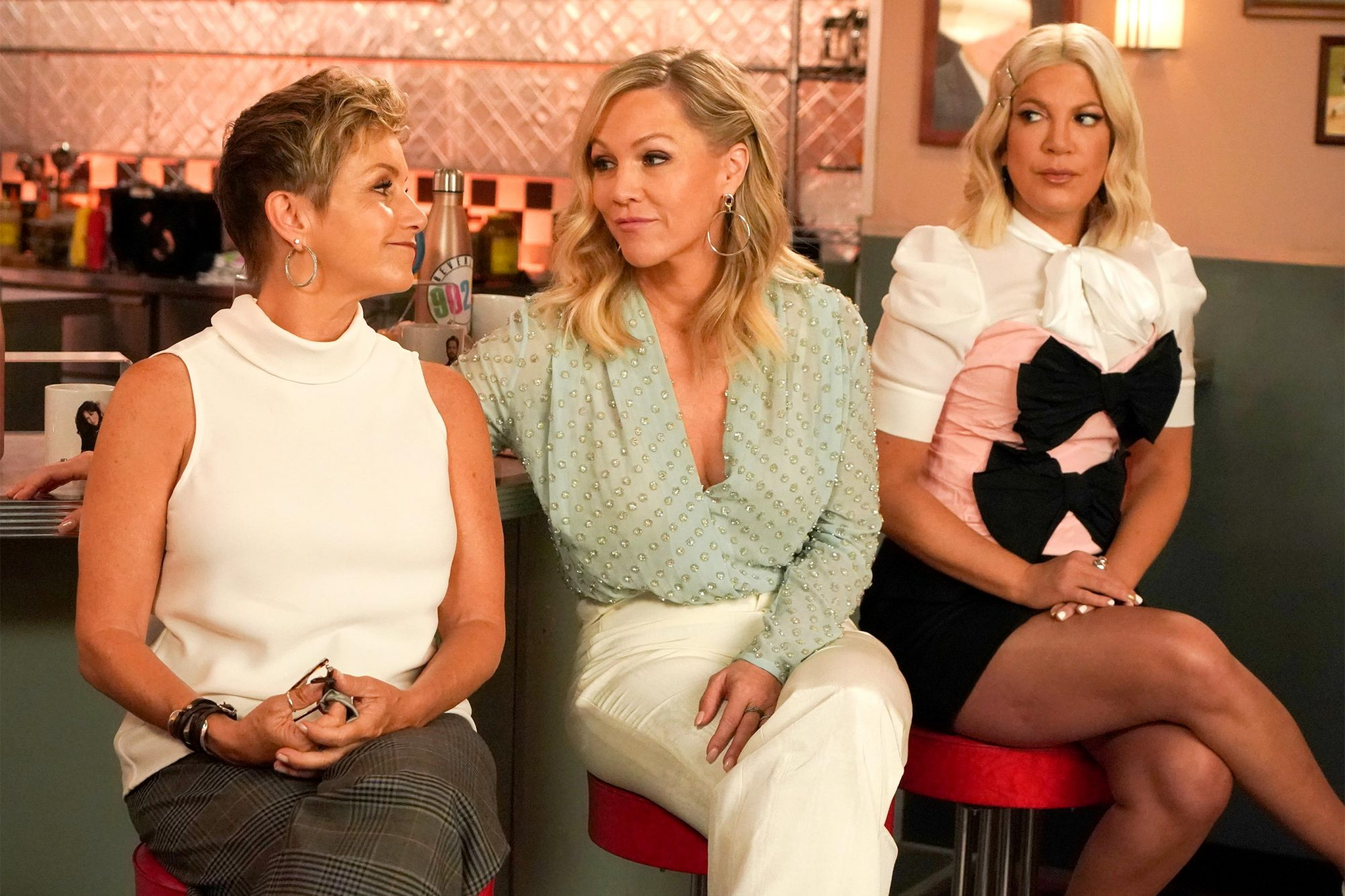 "BH90210: L-R: Gabrielle Carteris, Jennie Garth and Tori Spelling in the BH90210 ""Long Wait"" season finale episode airing Wednesday, Sept. 11 (9:00-10:00 PM ET/PT) on FOX. ©2019 Fox Media LLC Cr: Shane Harvey/FOX"