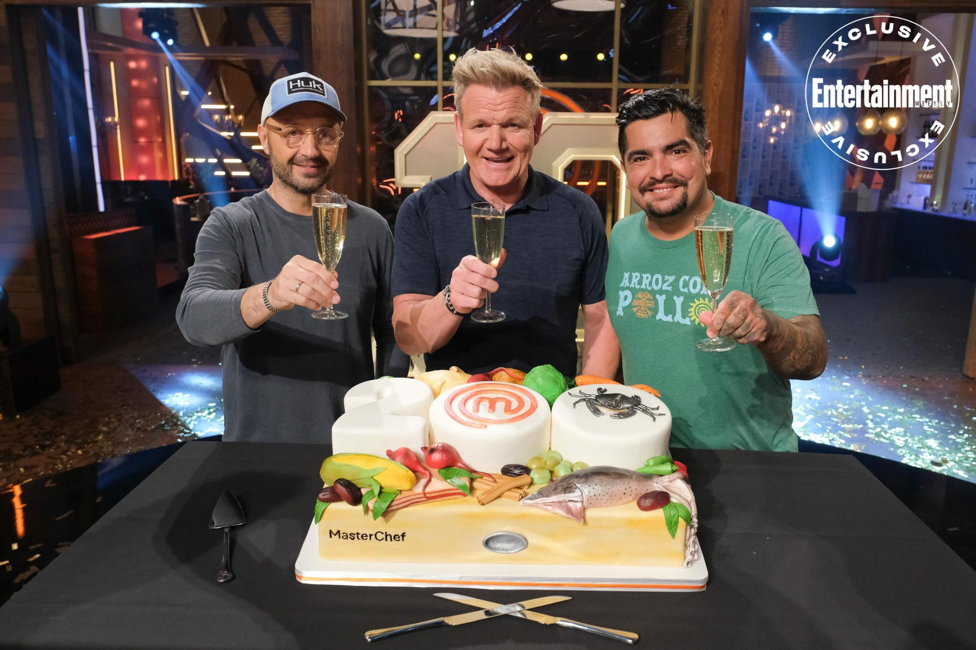 MasterChef 200th episode Joe Bastianich, Gordon Ramsay, andAaron Sanchez cutting cake