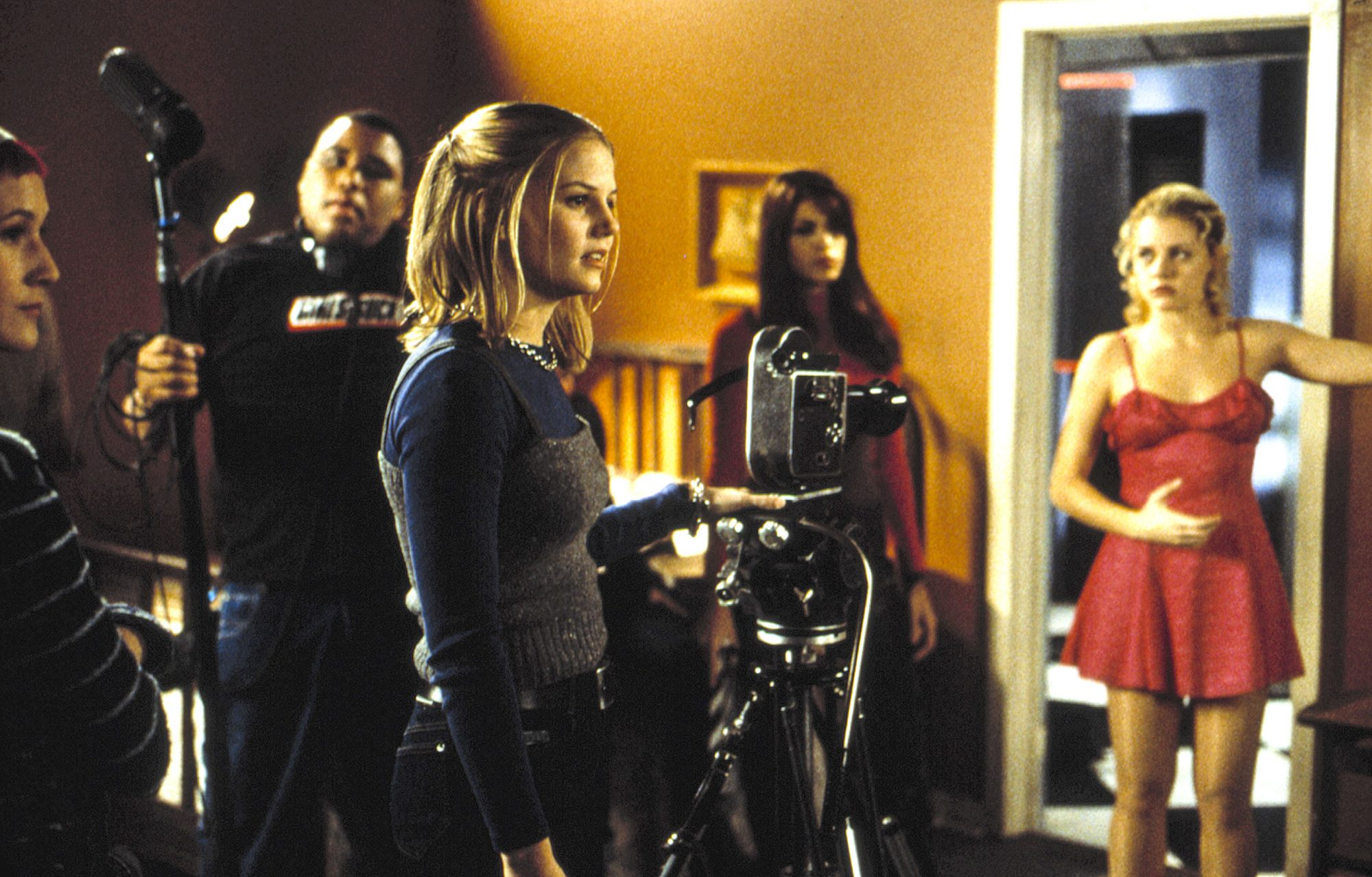 URBAN LEGENDS: FINAL CUT, (l to r) Anthony Anderson, Jennifer Morrison (with camera), Eva Mendes, an