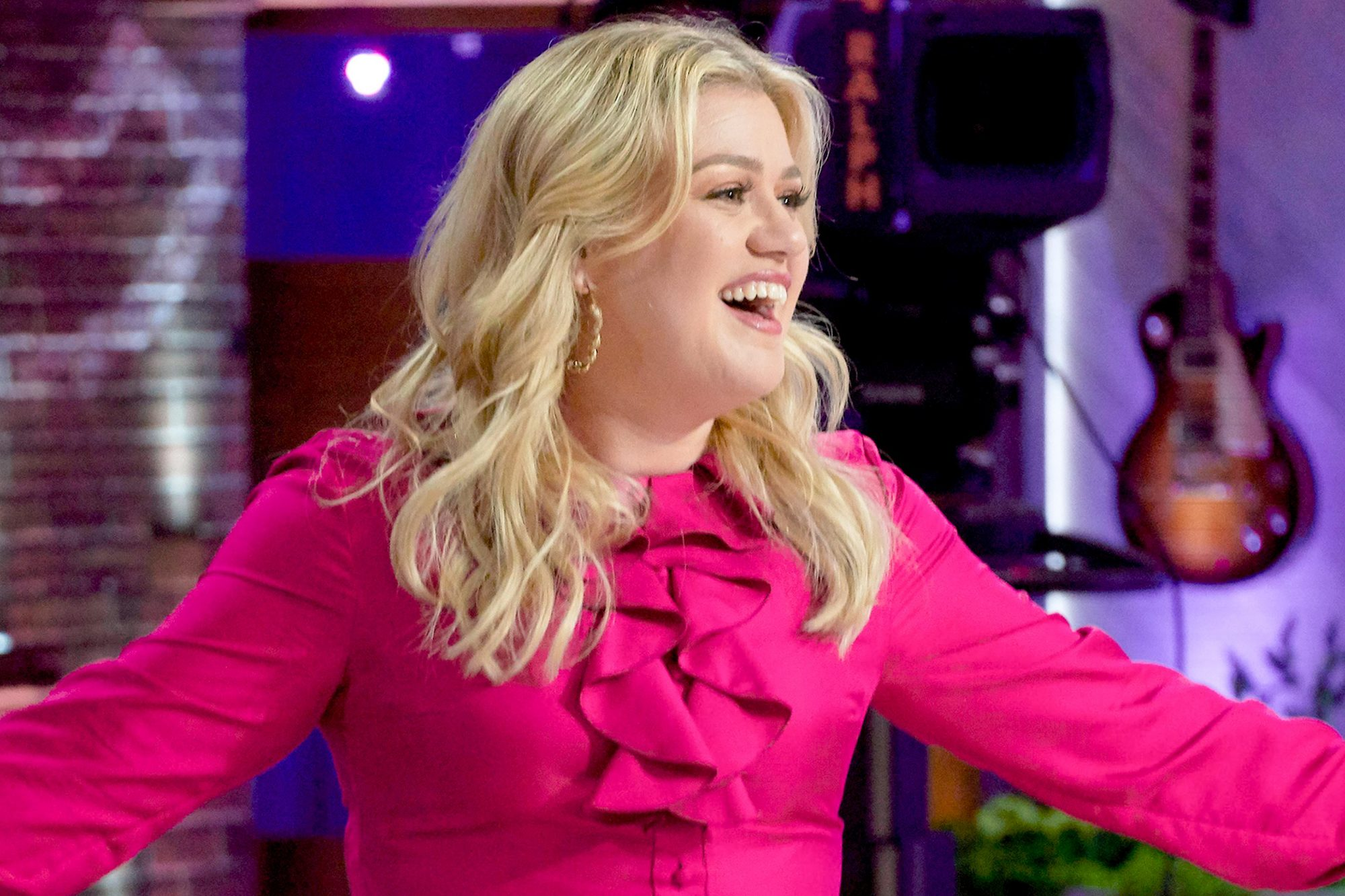 THE KELLY CLARKSON SHOW -- Episode 3010 -- Pictured: Kelly Clarkson -- (Photo by: Adam Torgerson/NBCUniversal)