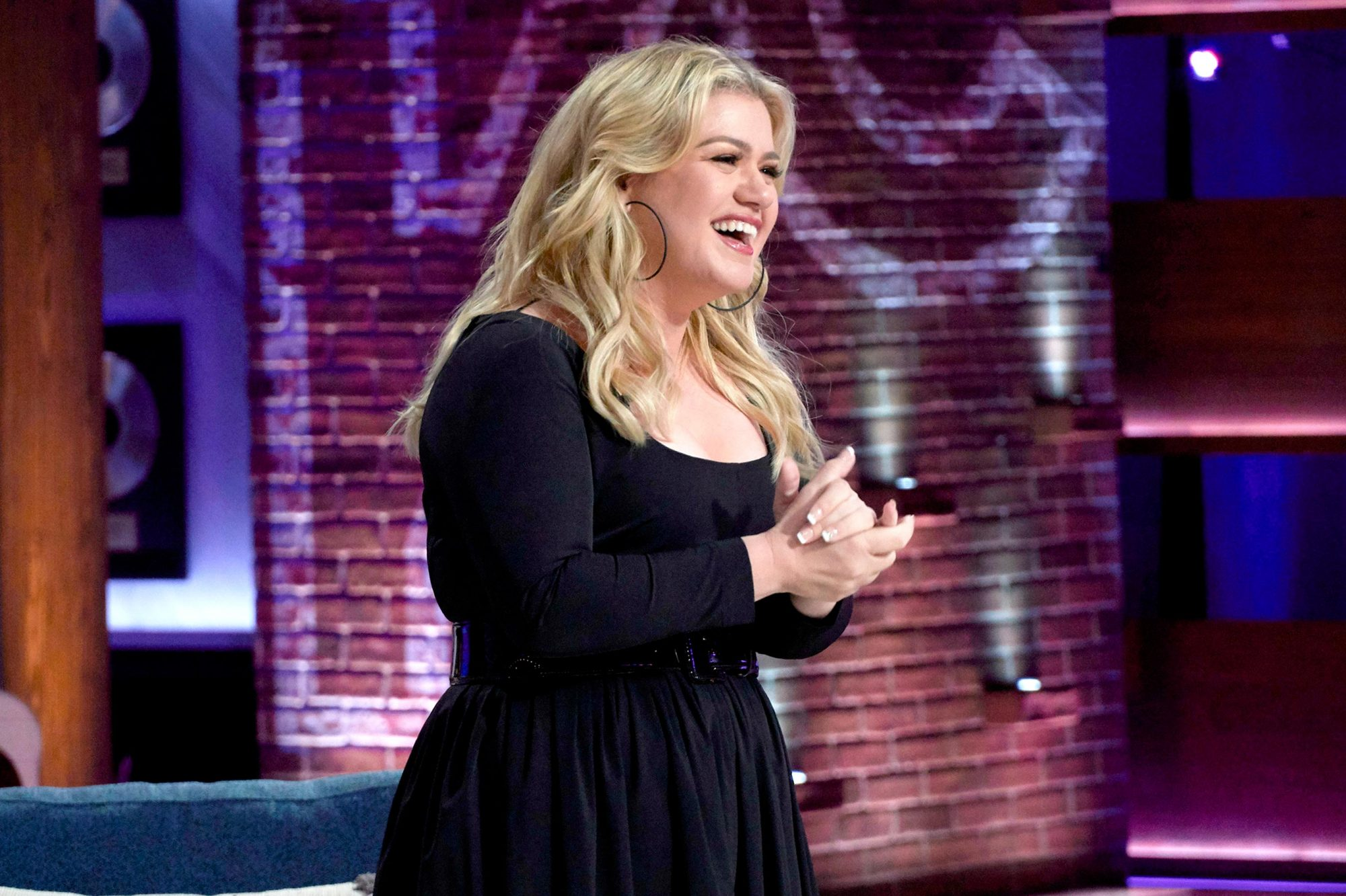 THE KELLY CLARKSON SHOW -- Episode 3009 -- Pictured: Kelly Clarkson -- (Photo by: Adam Torgerson/NBCUniversal)