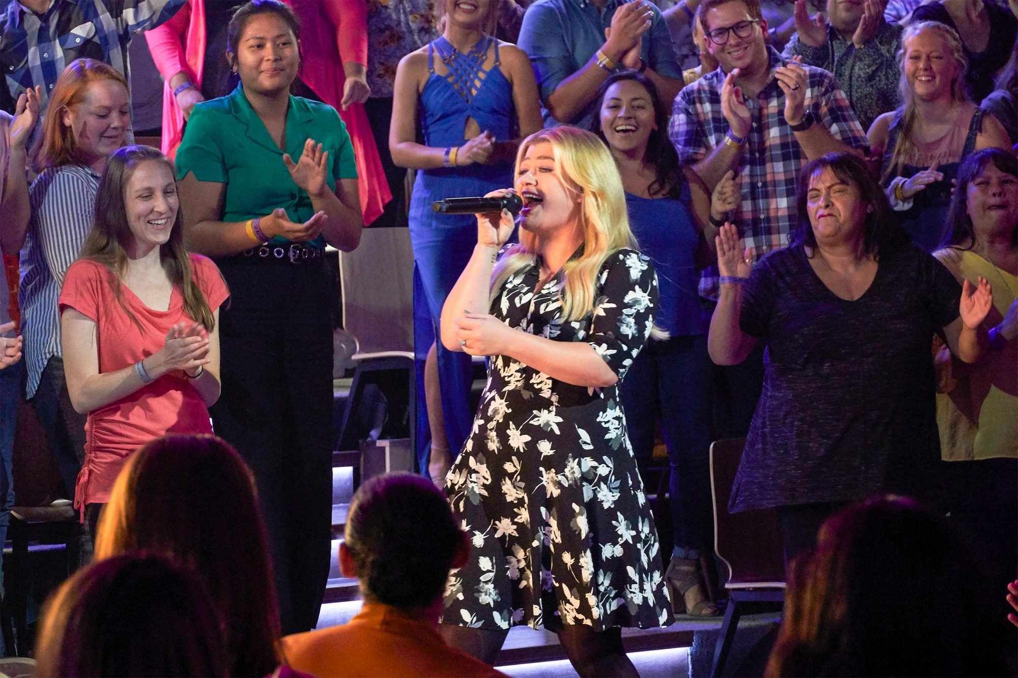 THE KELLY CLARKSON SHOW -- Episode 3016 -- Pictured: Kelly Clarkson -- (Photo by: Adam Torgerson/NBCUniversal)