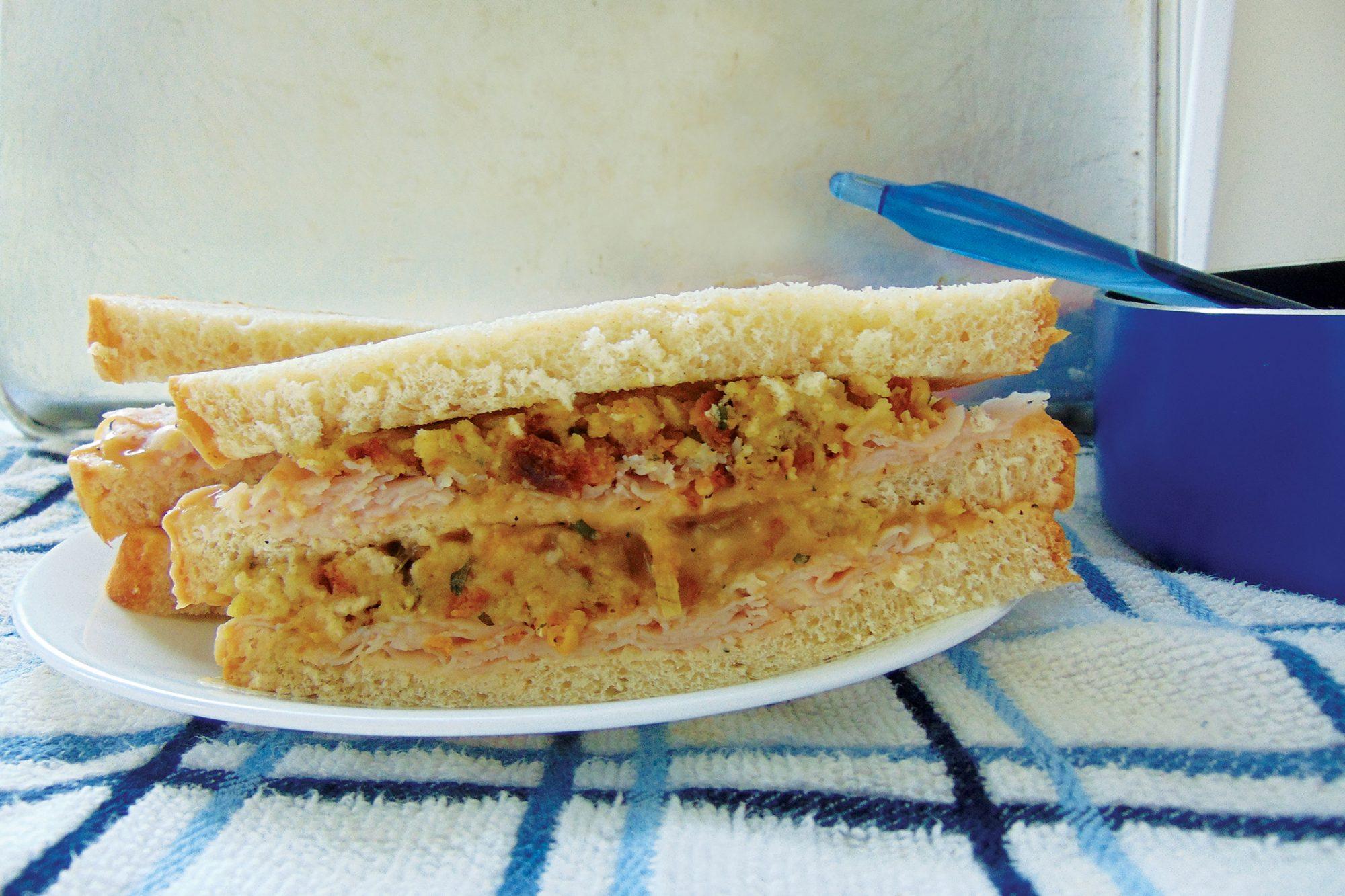 Thanksgiving-Leftovers-Sandwich