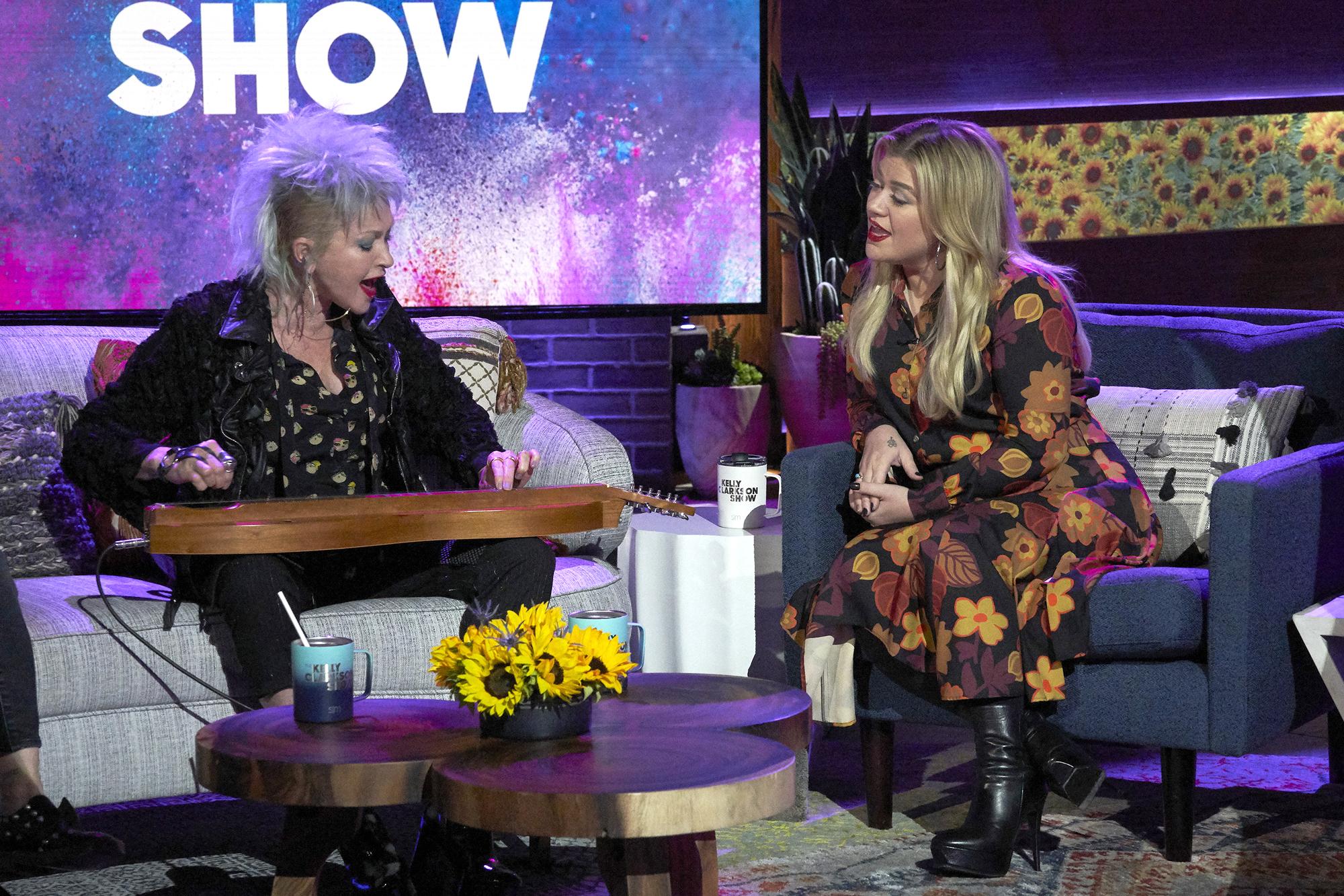 Cyndi Lauper, Kelly Clarkson