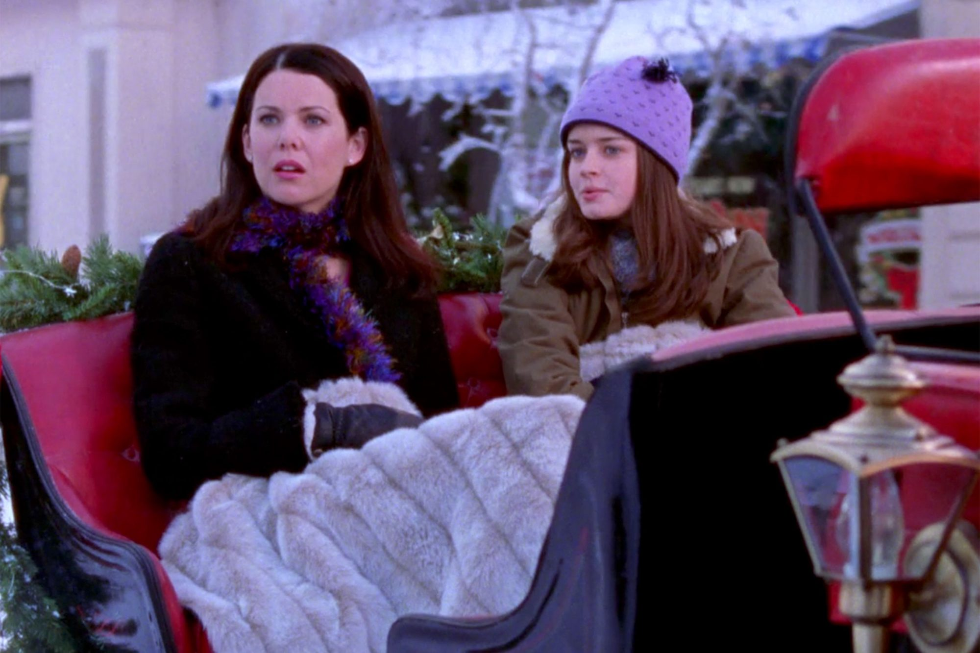 GILMORE-GIRLS-—-The-Bracebridge-Dinner-(s2e10)