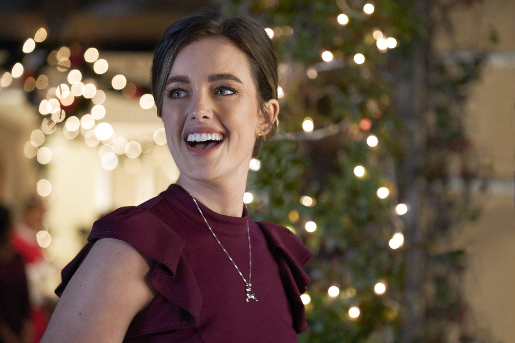 New Christmas Tv Movie Airdates Loglines Hallmark Lifetime More Ew Com