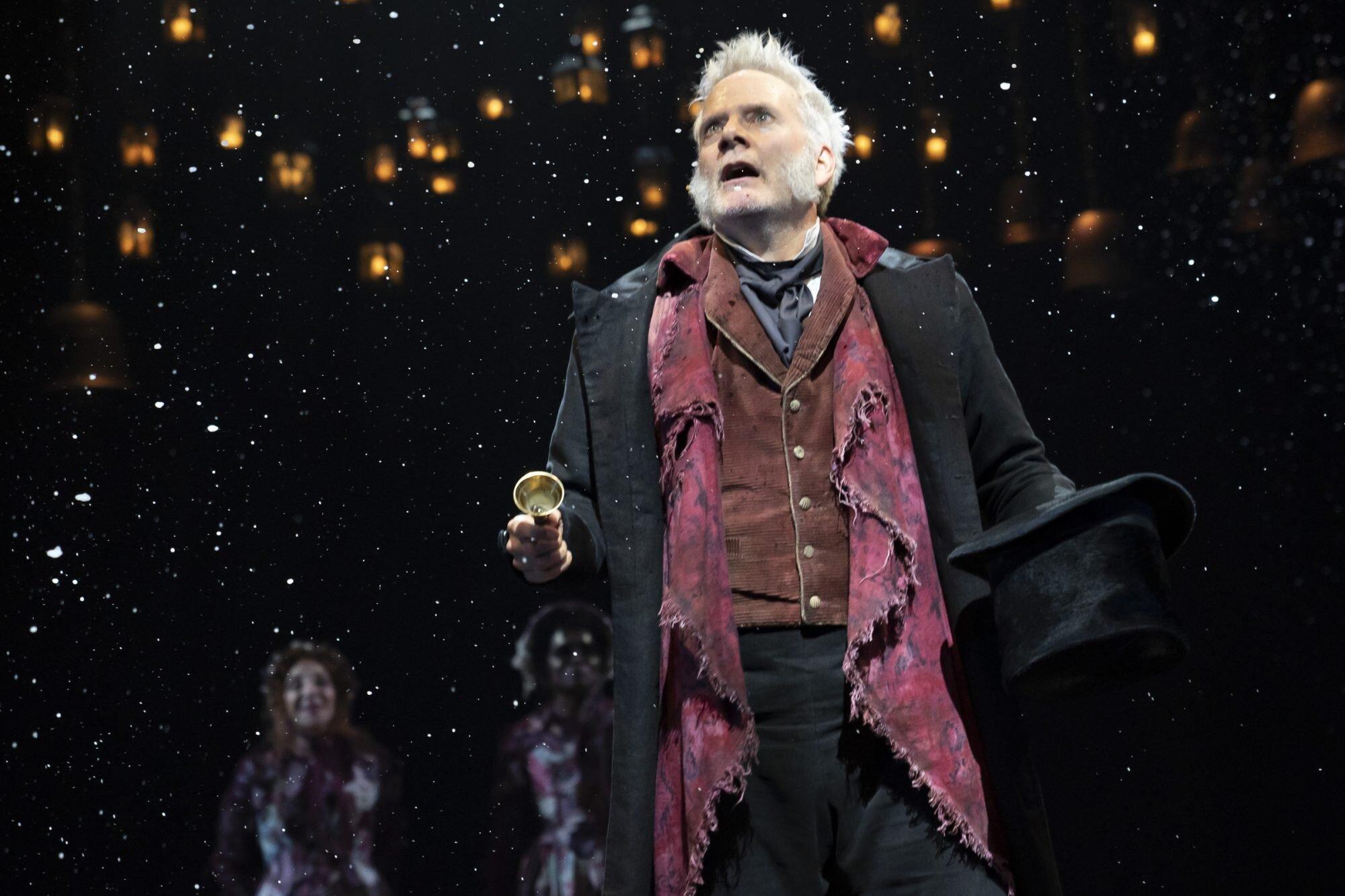 A Christmas Carol Nyc 2020 A Christmas Carol Broadway review: Dreary and delightful | EW.com