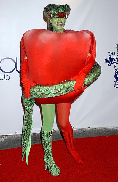Heidi Klum as the Garden of Eden on October 31, 2006