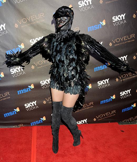 Heidi Klum as a Crow on October 31, 2009