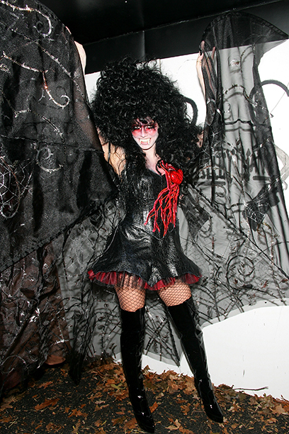 Heidi Klum as a Vampire on October 31, 2005