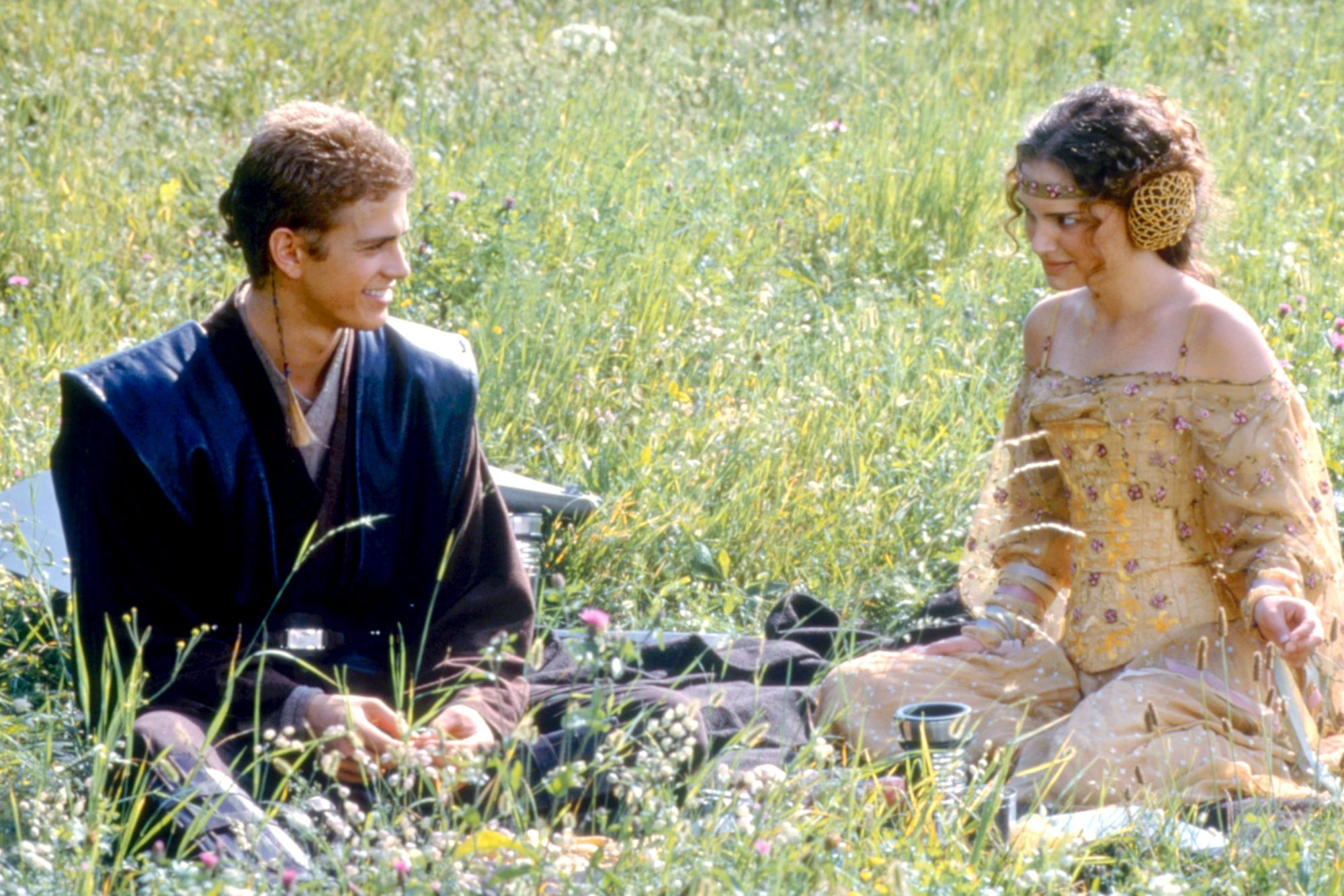 STAR WARS: EPISODE II- ATTACK OF THE CLONES, Hayden Christensen, Natalie Portman, 2002. ©Lucasfilm L
