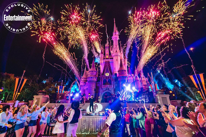 Disney S Fairy Tale Weddings Season 2 Premiere Date On Disney Ew Com