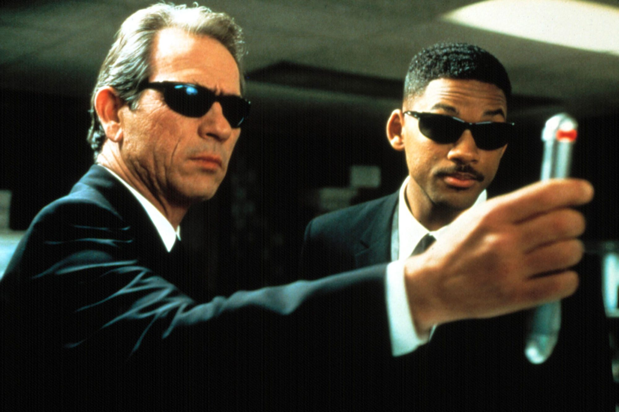 MEN IN BLACK, Tommy Lee Jones, Will Smith, 1997. (c) Columbia Pictures/ Courtesy: Everett Collection
