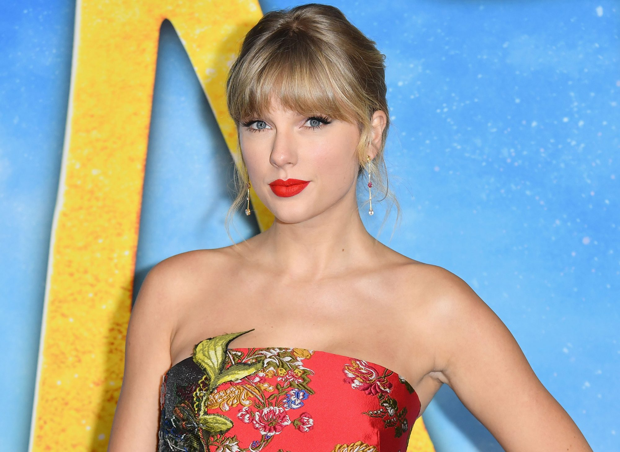 Taylor Swift donates $1 million to Nashville tornado relief funds