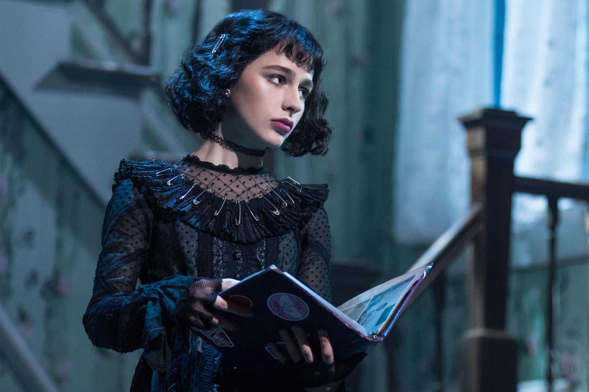Sophia Anne Caruso Exits Beetlejuice On Broadway Ew Com