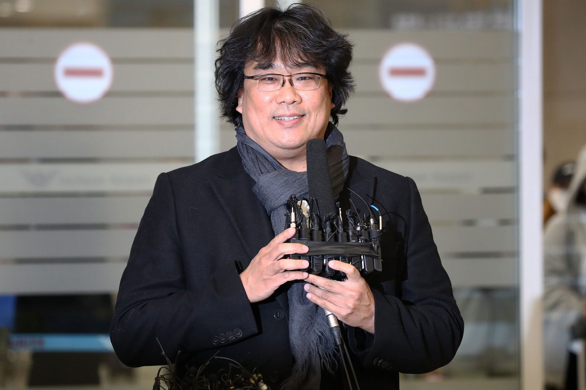 Bong Joon-ho Arrives In Seoul