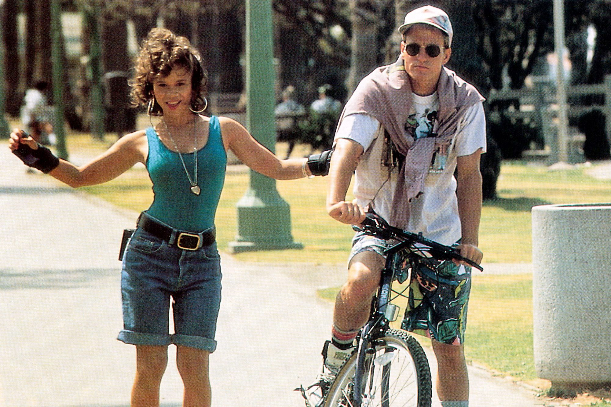WHITE MEN CAN'T JUMP, from left: Rosie Perez, Woody Harrelson, 1992, TM & Copyright © 20th Century F