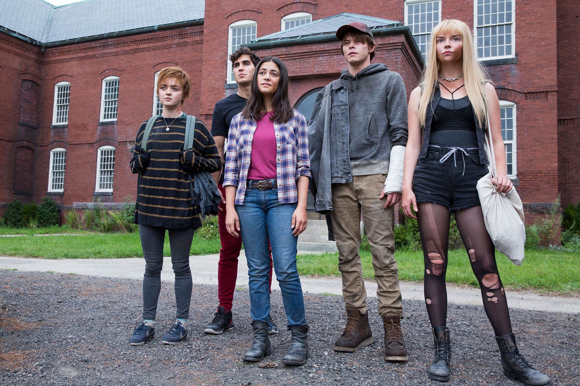The New Mutants scares up film's entire opening sequence | EW.com