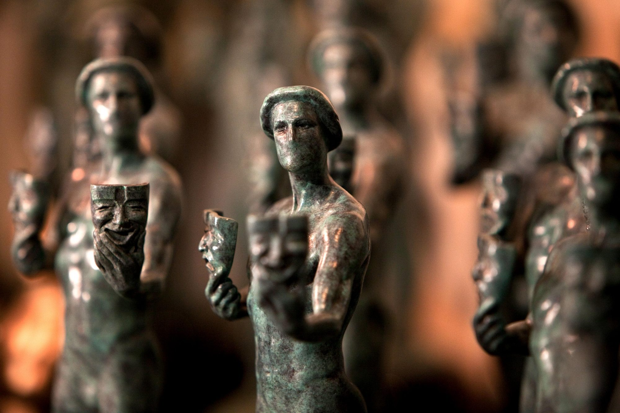 USA - 2010 SAG Awards® - Pouring Of The Actor® Statuette