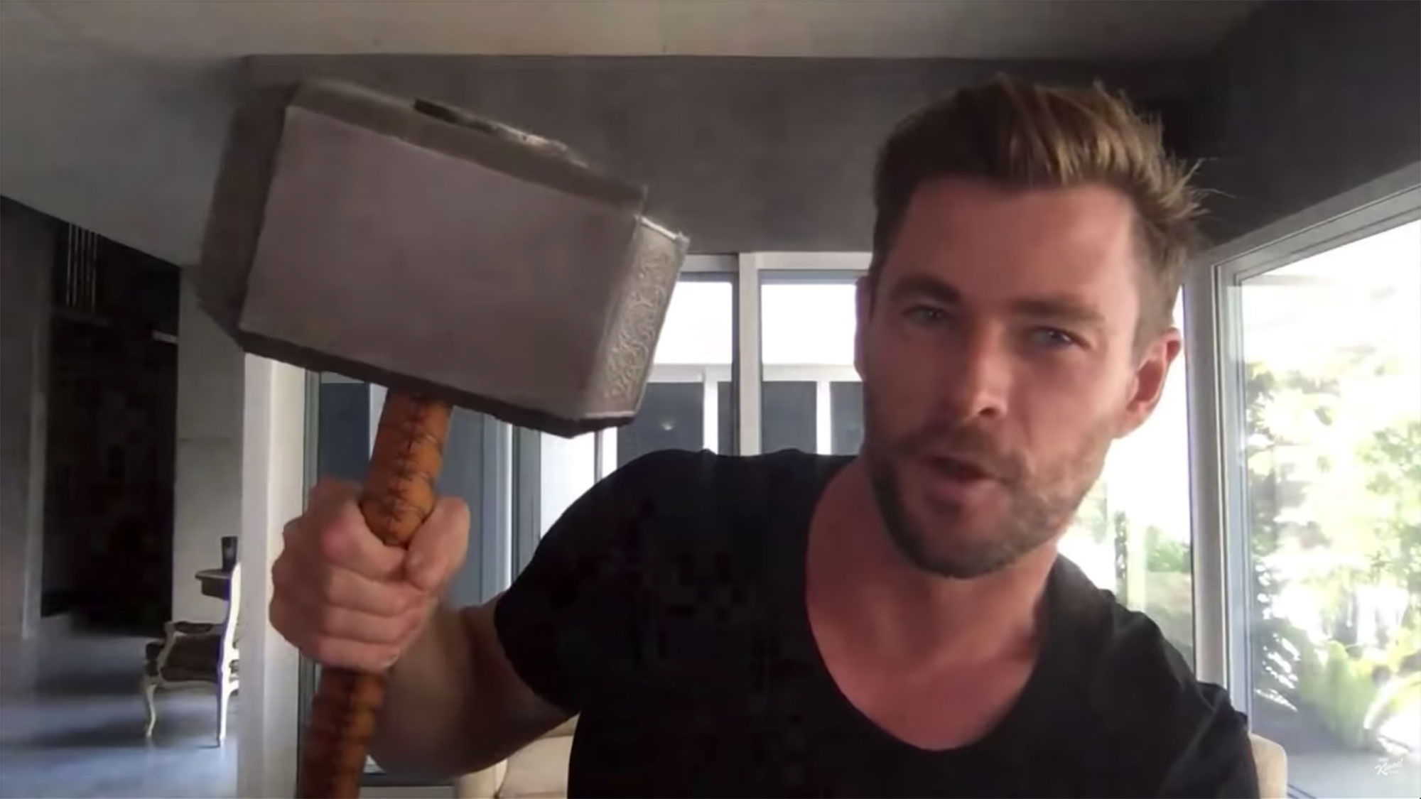 Chris Hemsworth on Quarantine in Australia, Homeschooling Kids & Thor Props