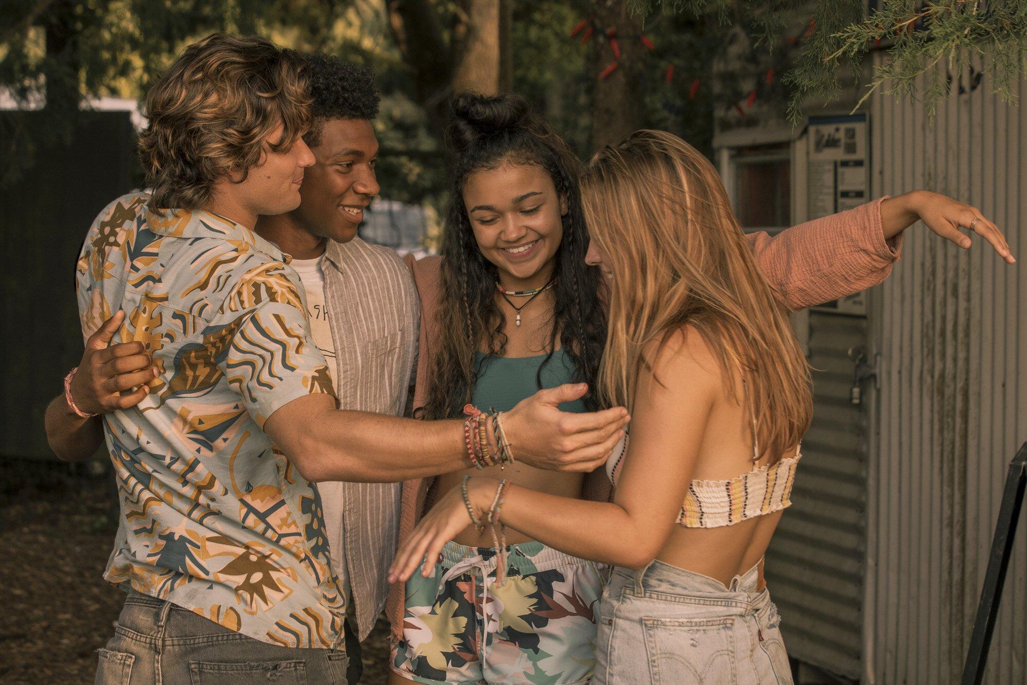Outer Banks Season 2 Renewed At Netflix Ew Com