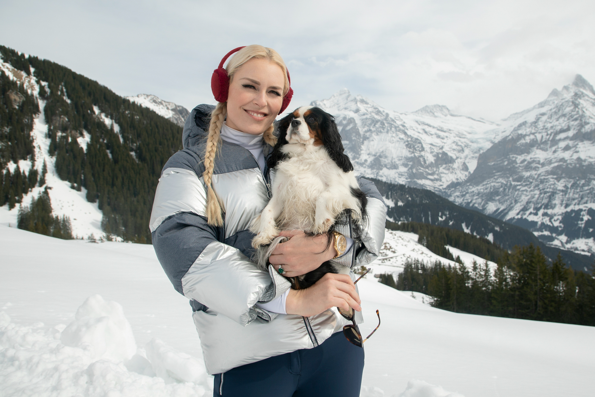 LINDSEY VONN AND LUCY - THE PACK