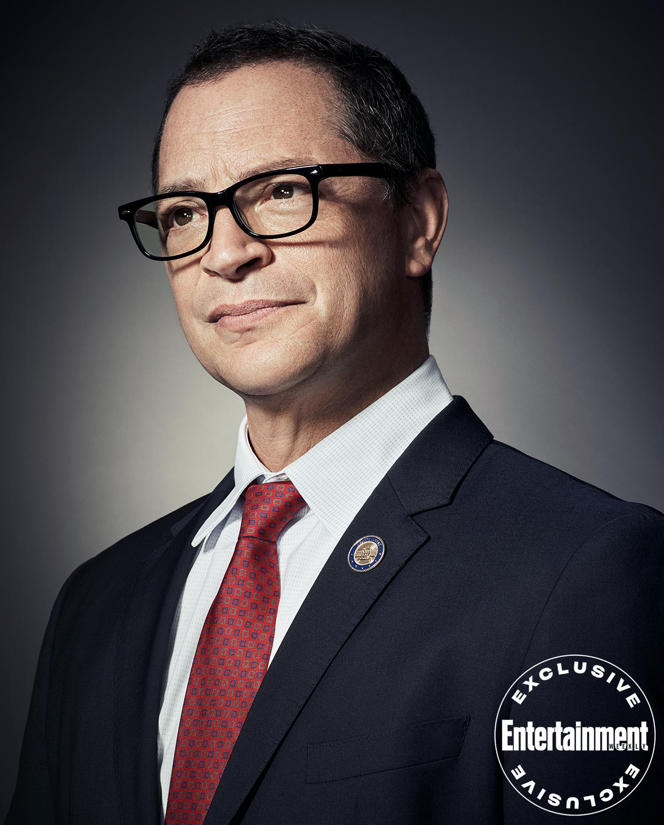 Joshua Malina (Will Bailey)