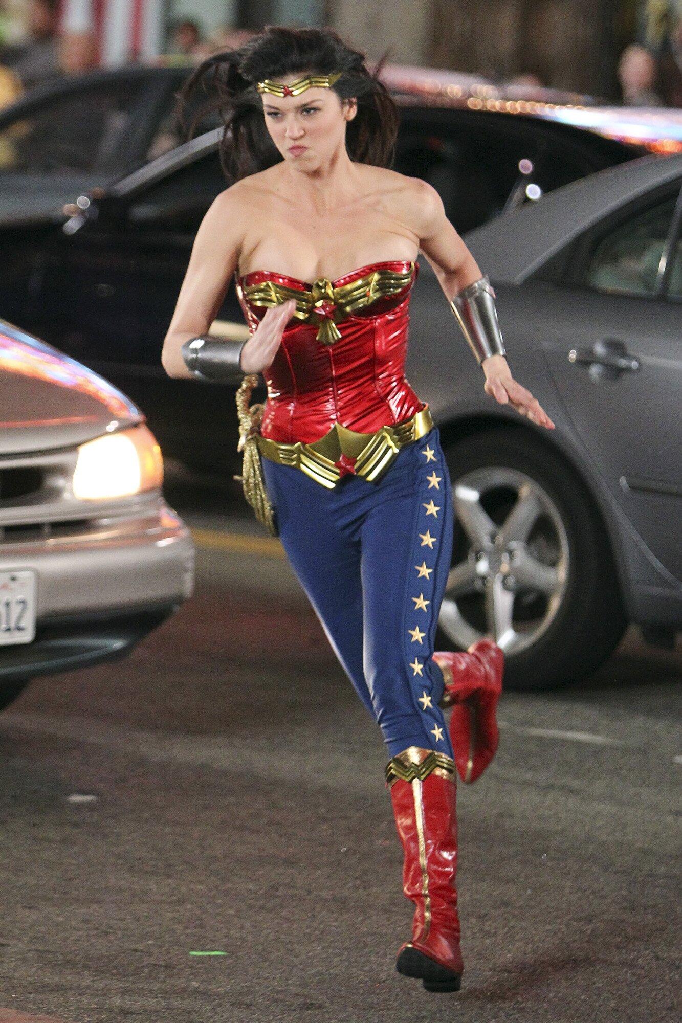 Adrianne Palicki Reflects On 2011 S Failed Wonder Woman Pilot Ew Com