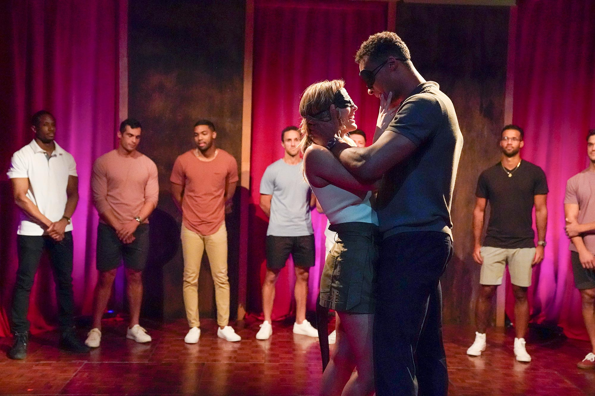 The Bachelorette season 16, episode 2 recap: Love language barrier | EW.com