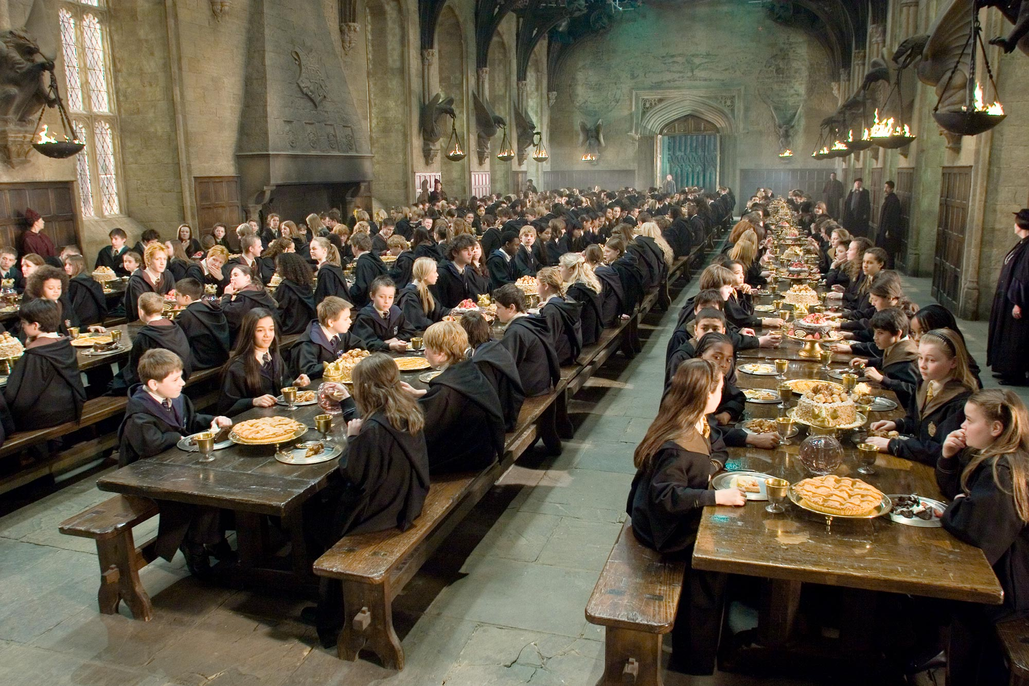 Harry Potter- the Great Hall of Hogwarts Castle