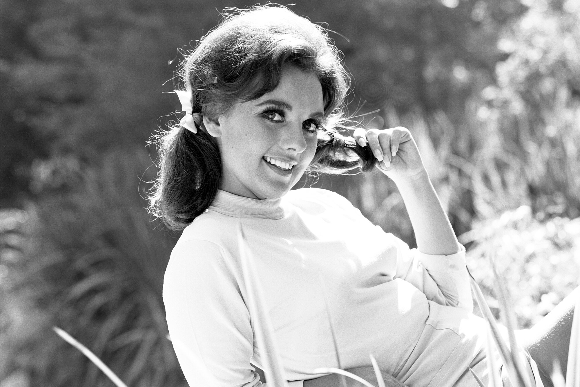 Dawn Wells dead: Mary Ann on Gilligan's Island dies at 82 | EW.com