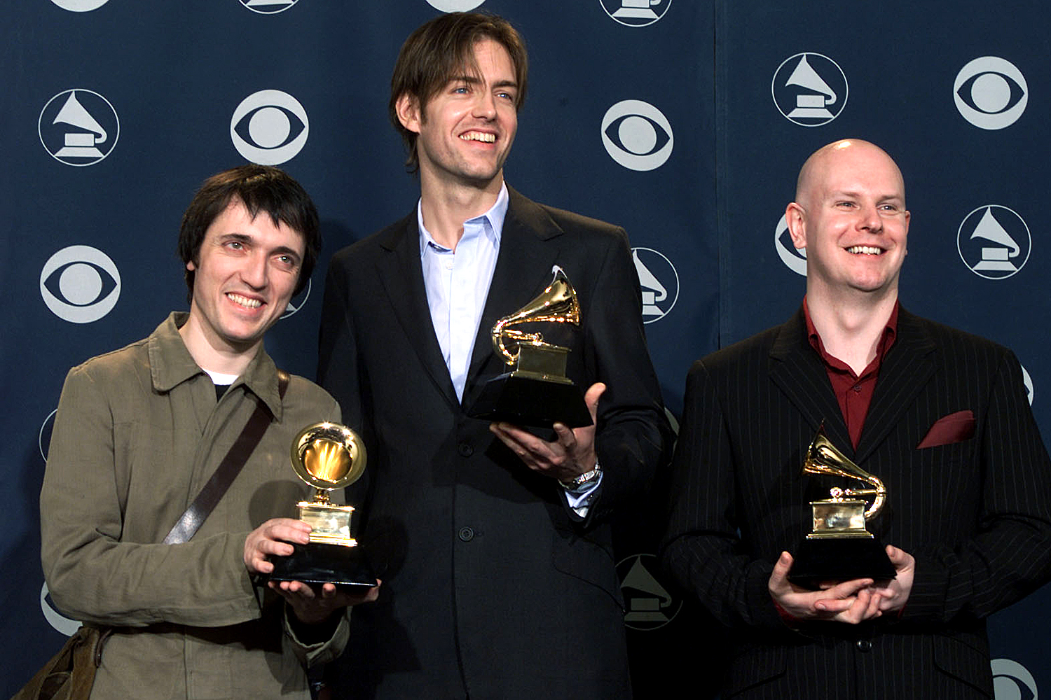 Radiohead with Grammy for Best Alternative Music Performance backstage at the 43rd Annual Grammy Awards