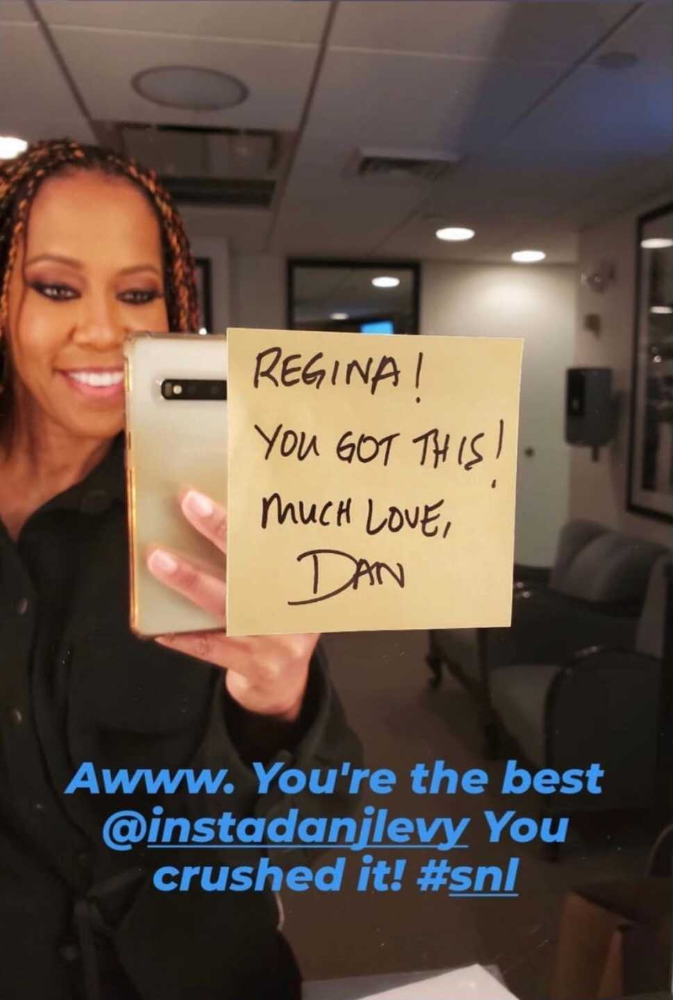 Regina King shares note from Dan Levy at 'SNL'