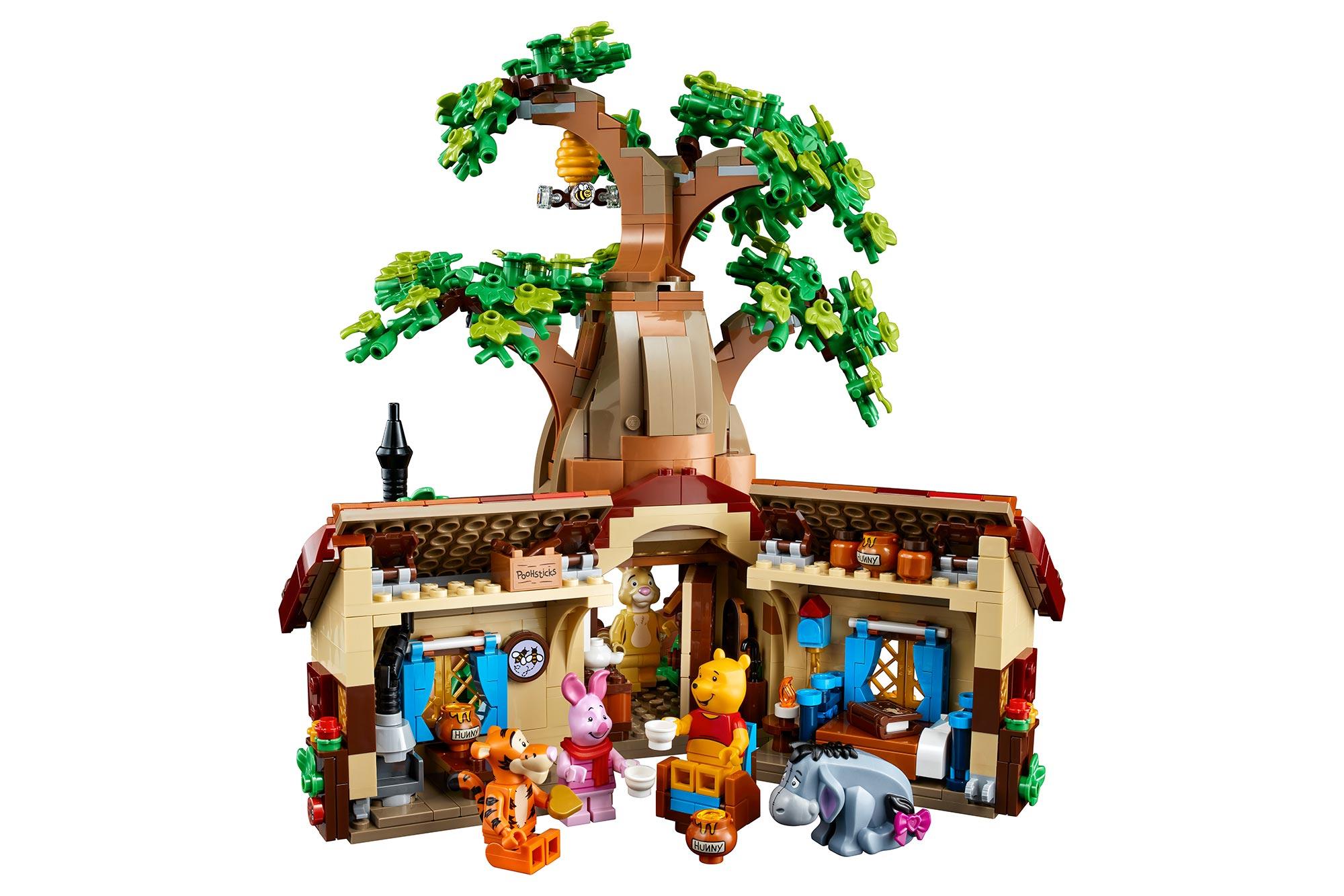 Winnie the Pooh LEGO set opened up.