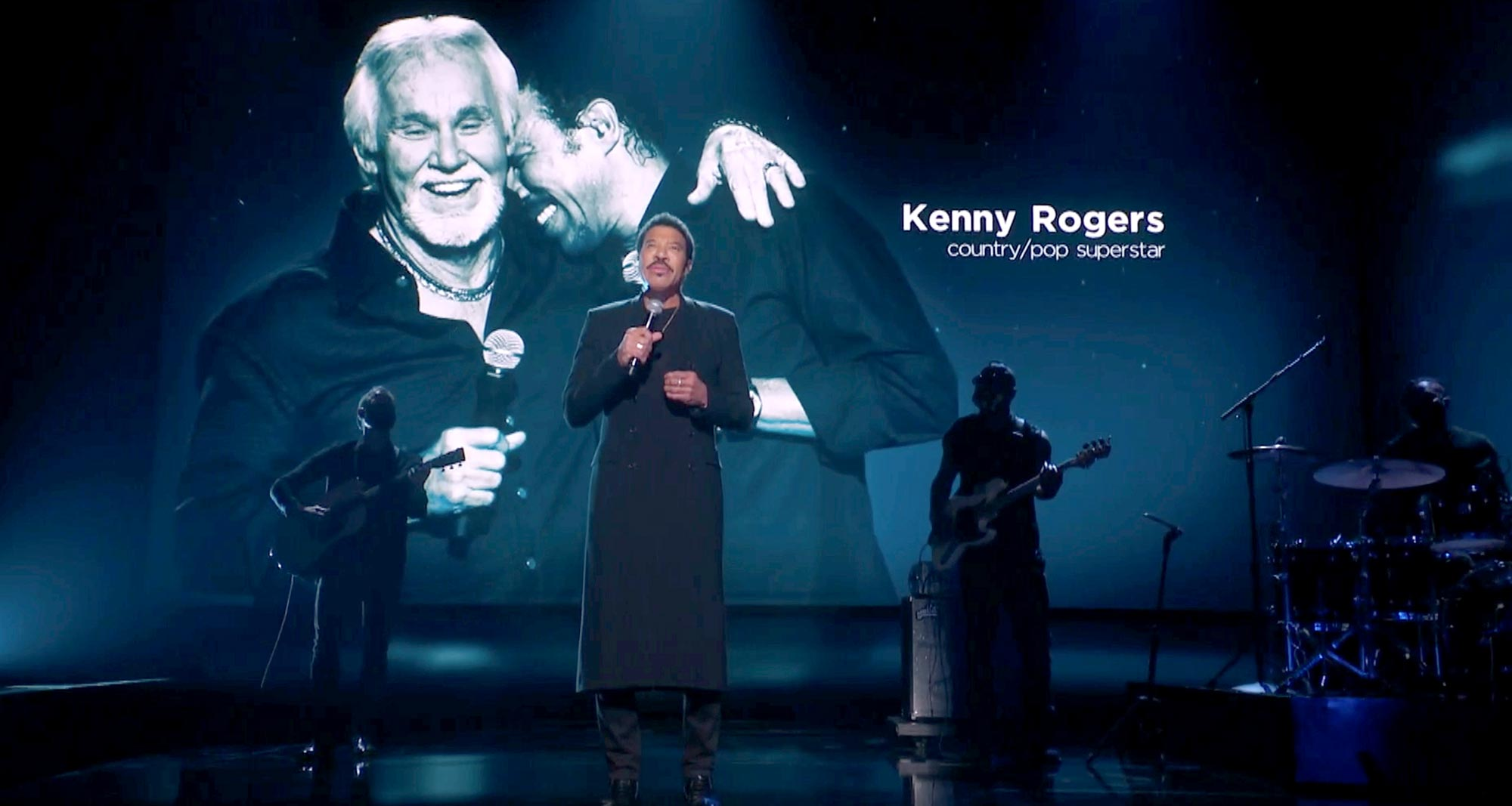 Lionel Richie performs during a tribute to the late Kenny Rogers