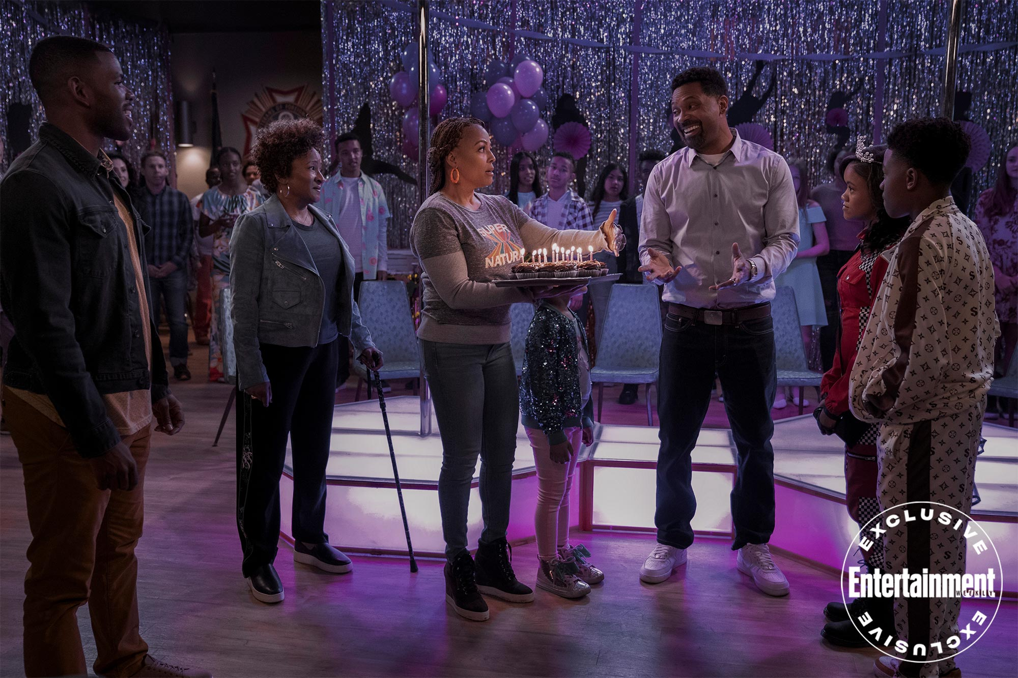 Wanda Sykes and Mike Epps on Netflix's The Upshaws first look | EW.com