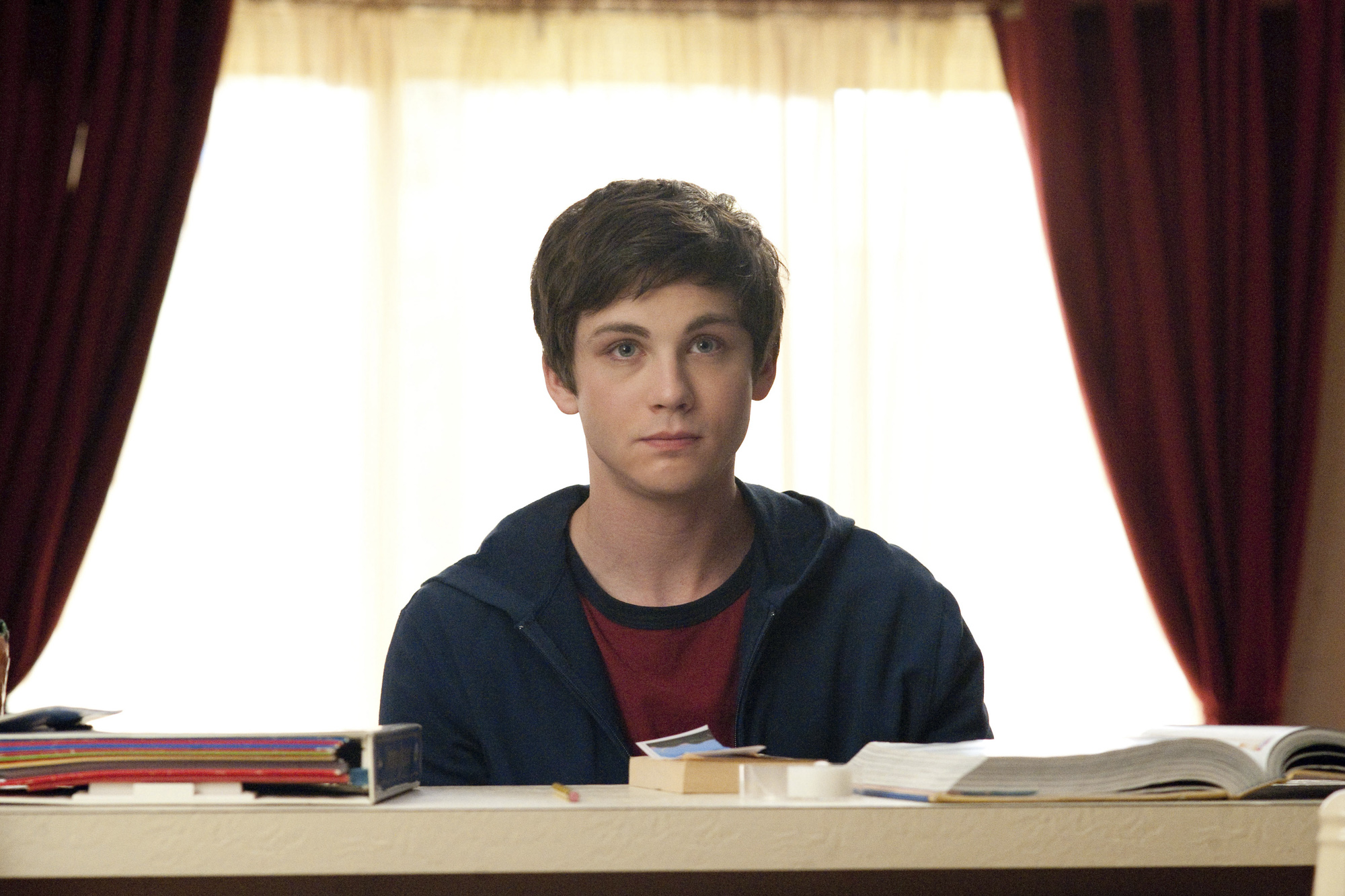 Charlie Kelmeckis (Perks of Being a Wallflower, 2012)