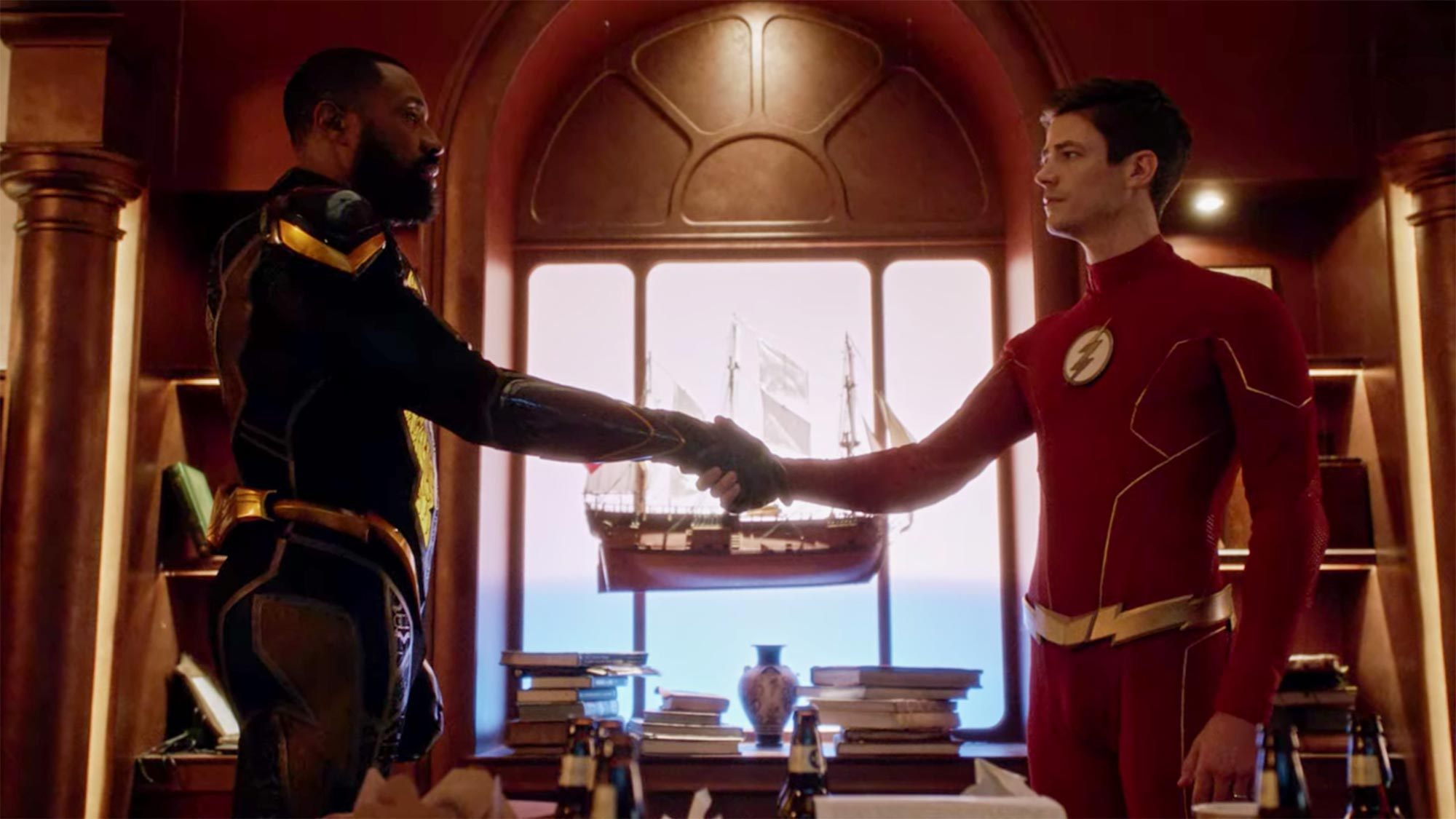 """Cress Williams and Grant Gustin from """"Crisis on Infinite Earths, Part 3"""" (The Flash)"""