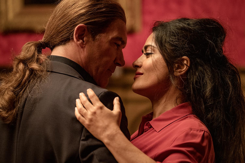 Antonio Banderas as 'Aristotle Papadopolous' and Salma Hayek as 'Sonia Kincaid' in THE HITMAN'S WIFE'S BODYGUARD