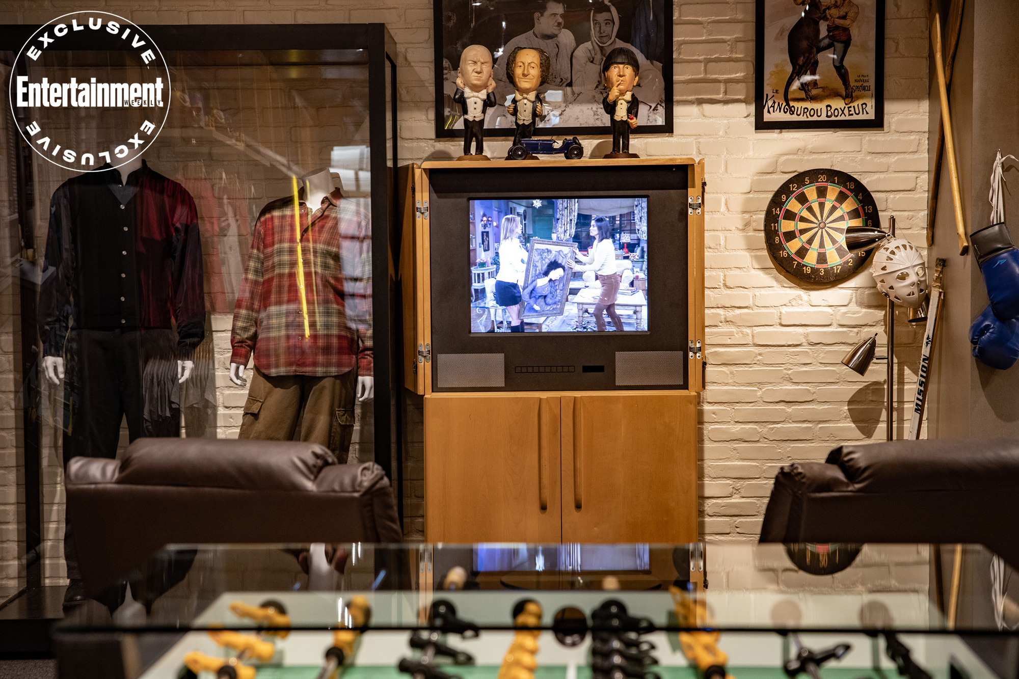 Warner Bros. tour expands Central Perk from Friends