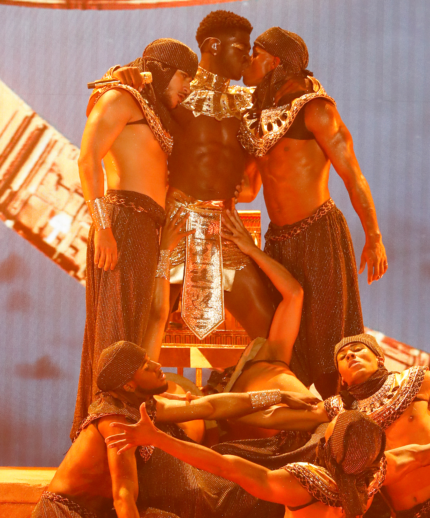 Lil Nas X kisses male dancer in fiery BET Awards performance | EW.com